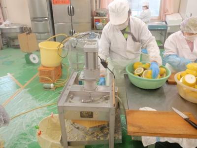 果汁搾り機